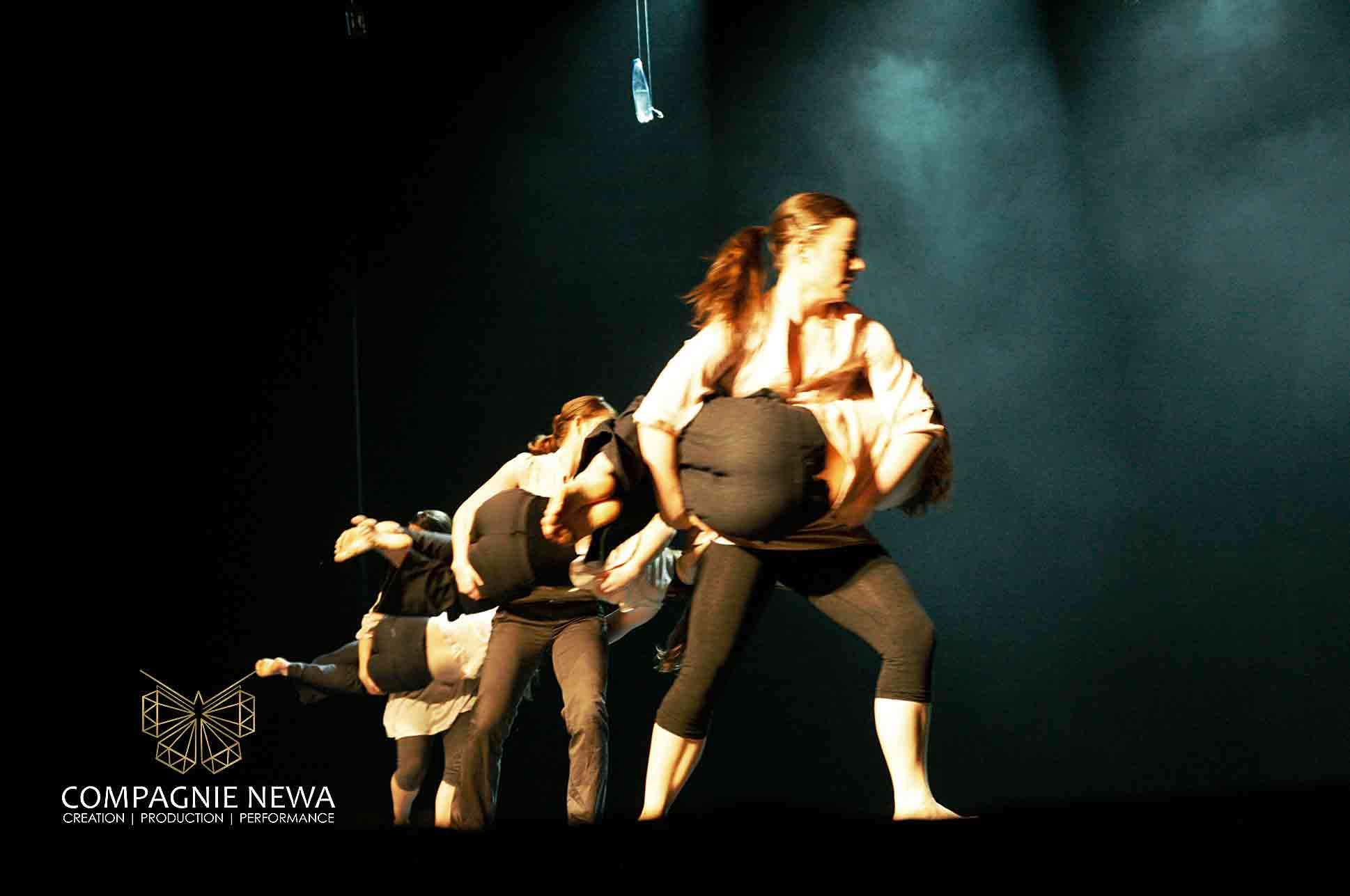 Compagnie_NEWA_blank_concepten_dans_performance