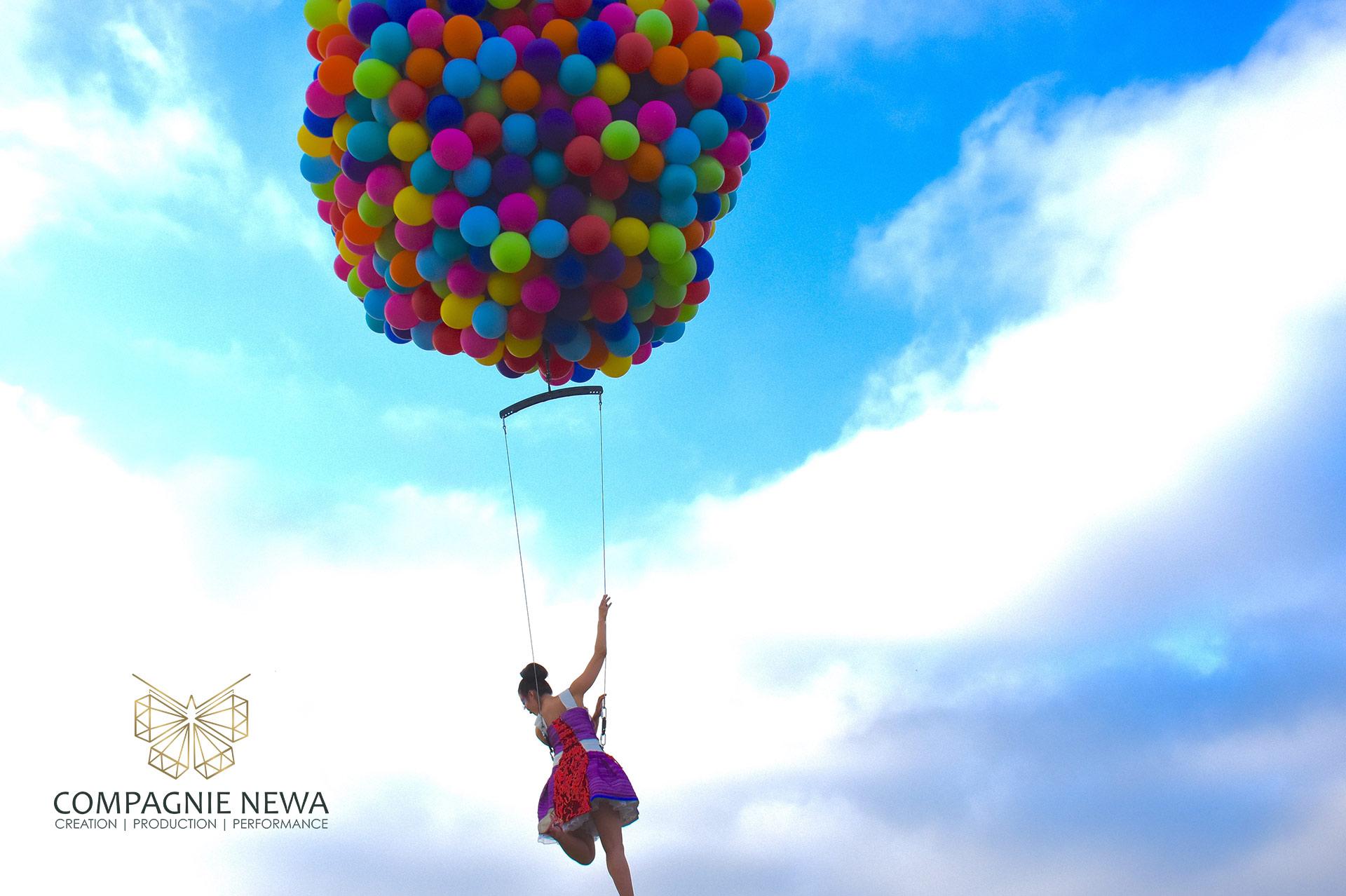 Compagnie_NEWA_balloon_act_paris_amsterdam_crane