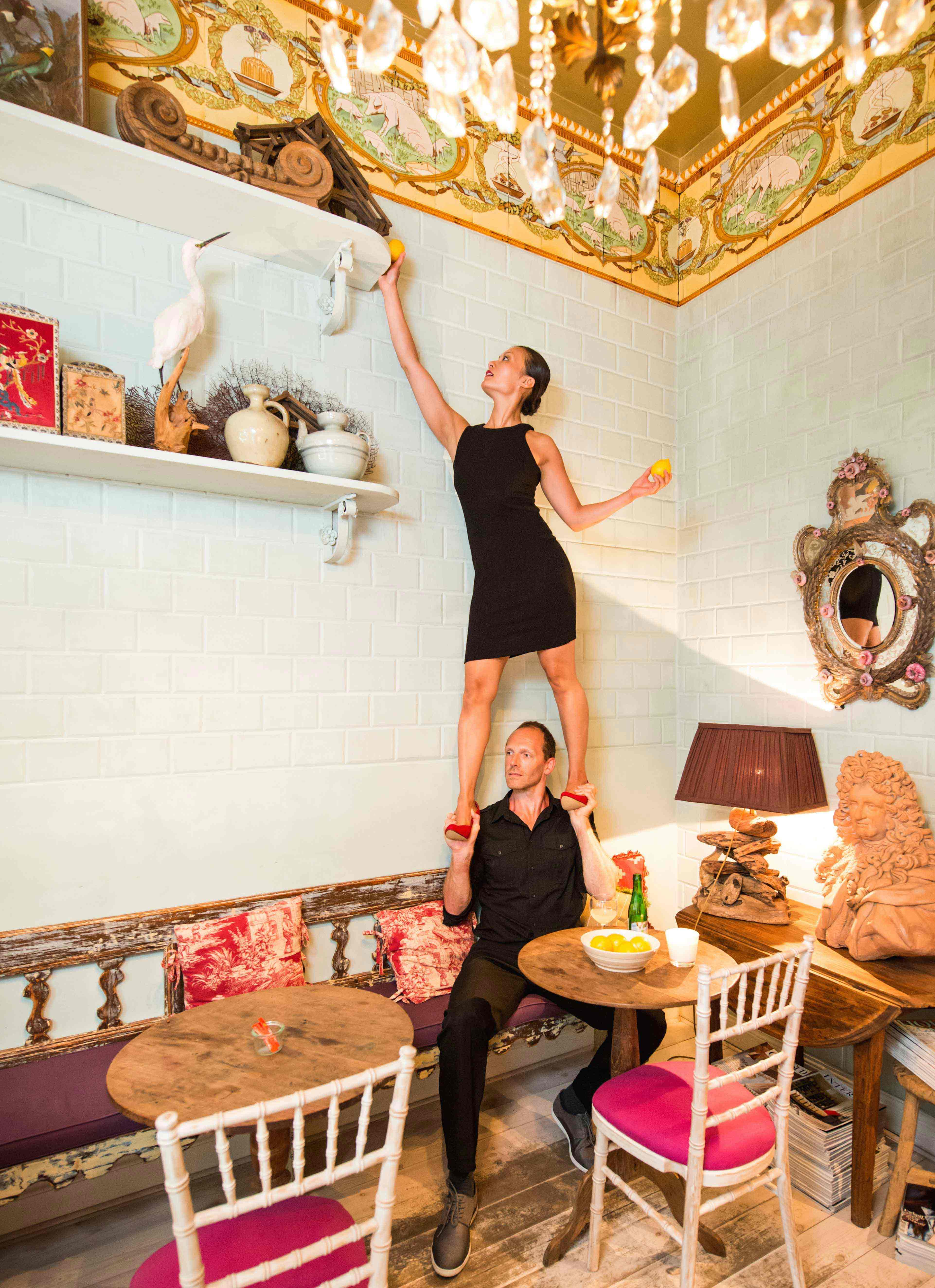 Compagnie_NEWA_circus_acrobatics_photoshoot