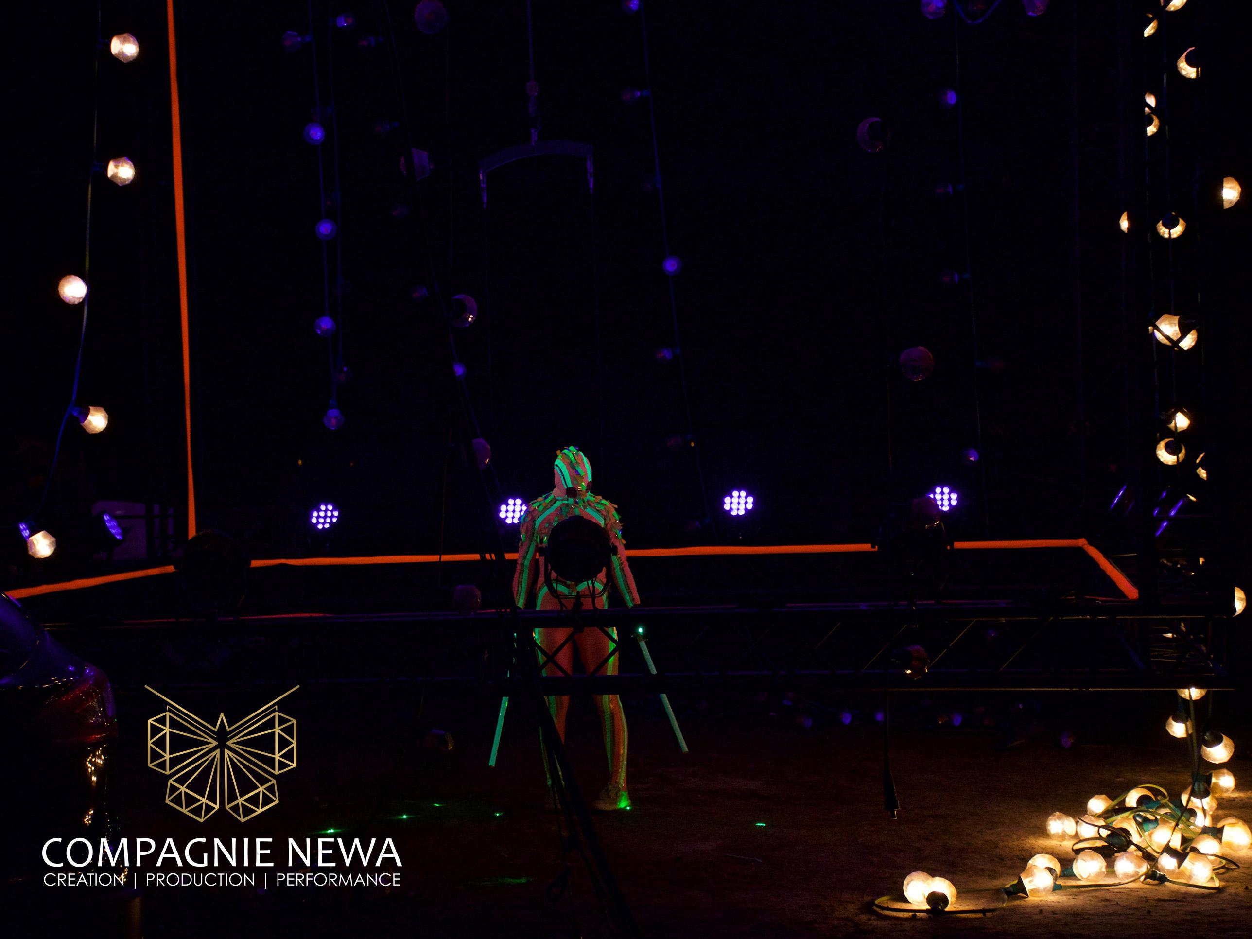 fluor_laser_aerial_dance_show